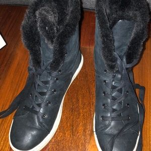 UGG Black leather Sherpa lined lace up sneaker